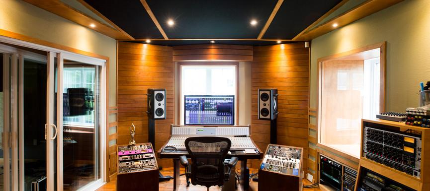 Studio Red Tube