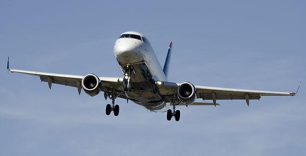 airplane-1554870_1920.jpg