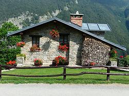 holiday-house-177398_1920.jpg
