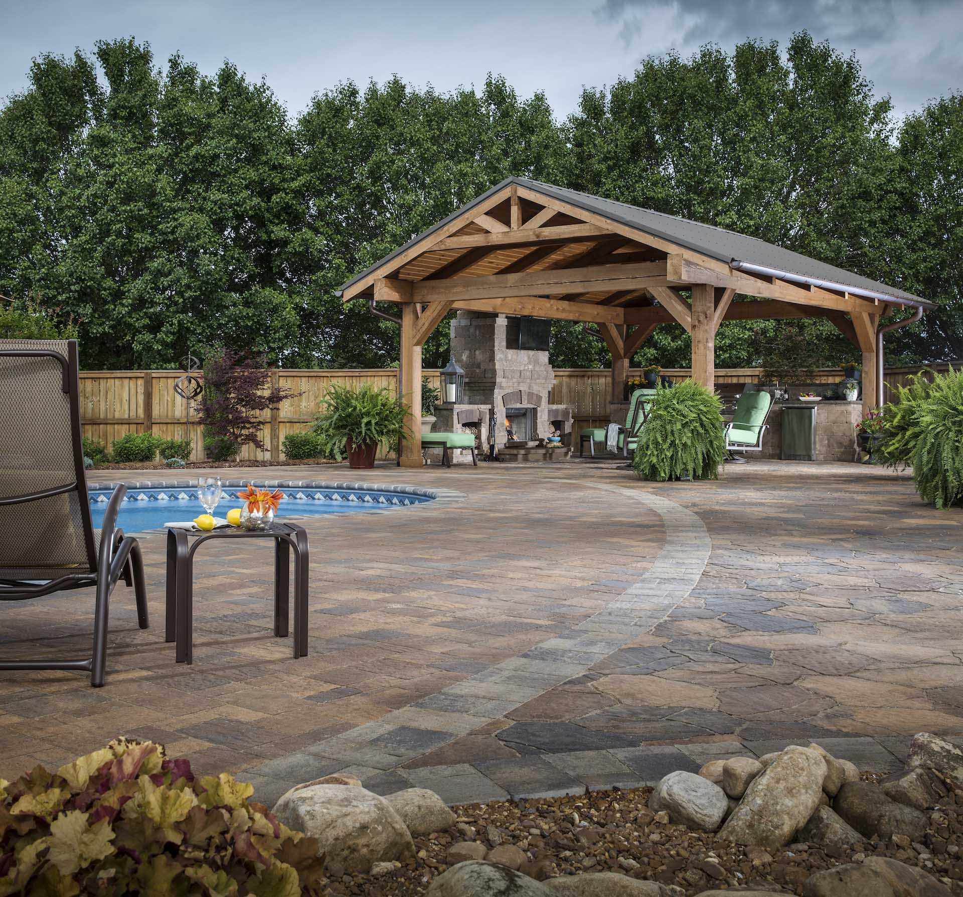 ADAMS_W_BEL2017_RES_Patio_Pool_Fireplace