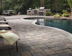 pool-deck-paving34f5g6h7jh6g54f3dx