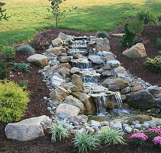 backyard-waterfall-pond-7054b0c145172.jp