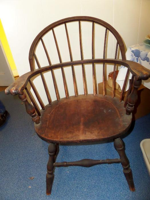 1920's Windsor knuckle arm chair