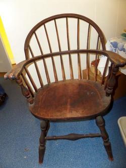 1920's Windsor knuckle arm chair