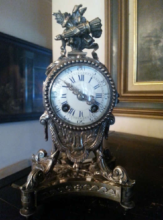 Atique silver resist french table clock