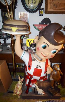 Classic Bob's Big Boy statue