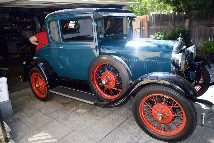 1929 Ford  Model A coup with rumble set
