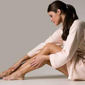 Varizes nas pernas podem evoluir para doença complexa
