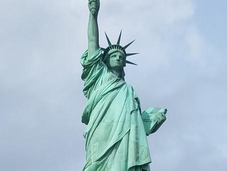 Comiendo en la Estatua de la Libertad