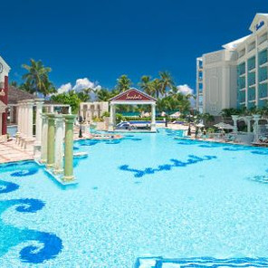 Sandals Royal Bahamian & Offshore Island