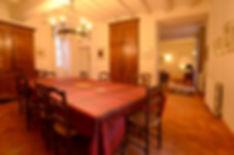 La table d'hôtes de la salle à manger