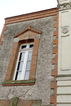 facade-brique-pierre-tuffeau