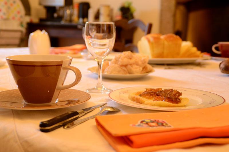 le petit déjeuner des hôtes