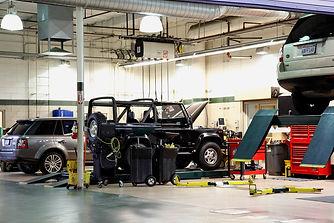 Automotive-Garage-Servicing-SUV'S-471338821_727x485 (1).jpeg
