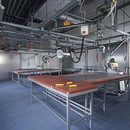 ColorGranules-Facotry-Lab-Seamless-Flooring-e1539782584810.jpg