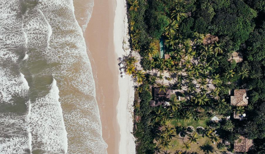 Waves on the beach, Canto Leela