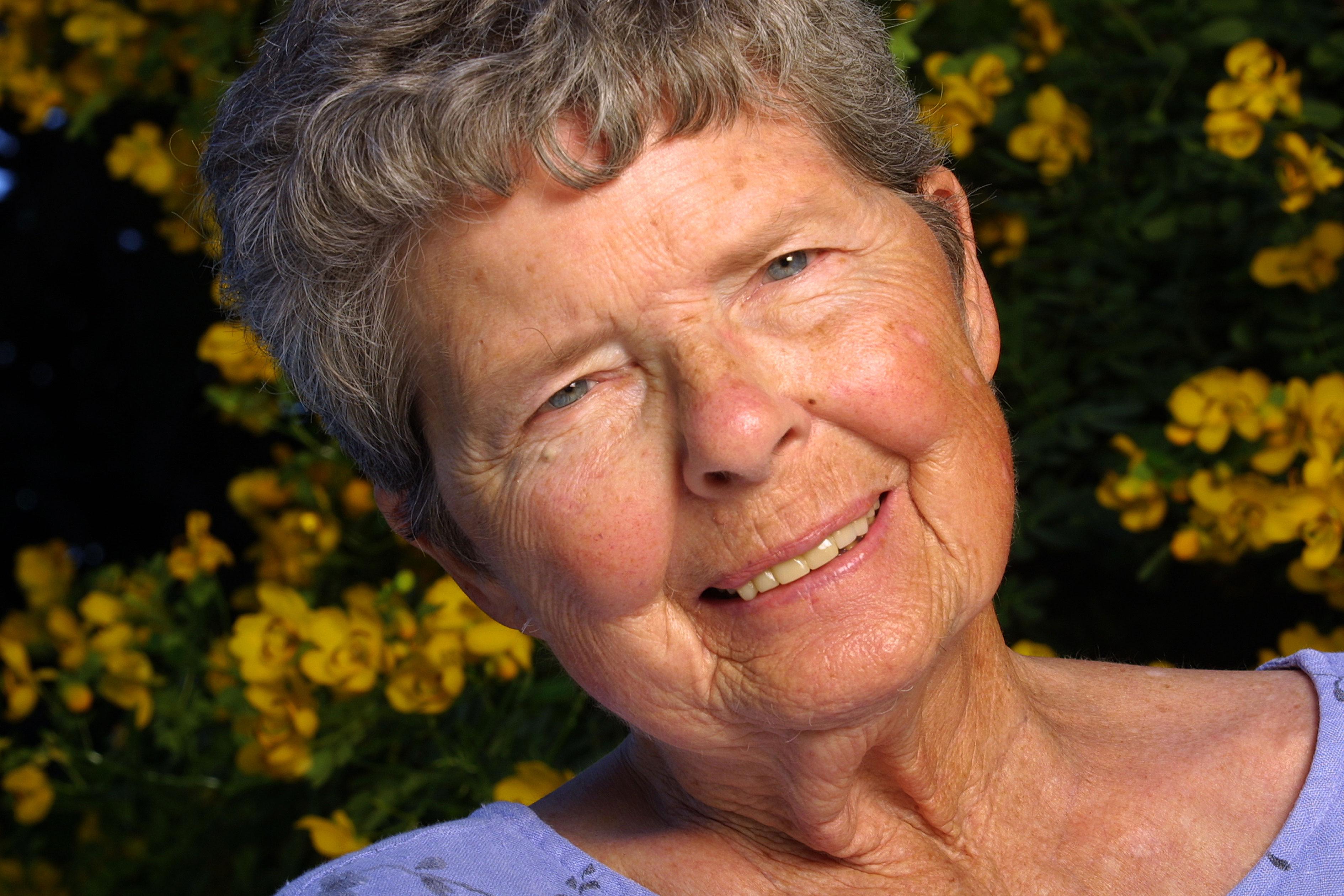 Doris-Dana03.jpg