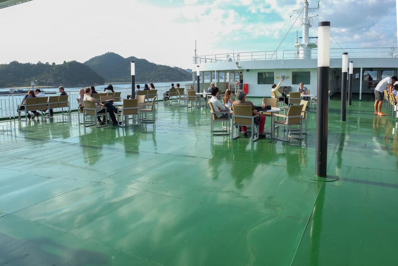 Sur le pont du ferry entre Uno et le port de Naoshima