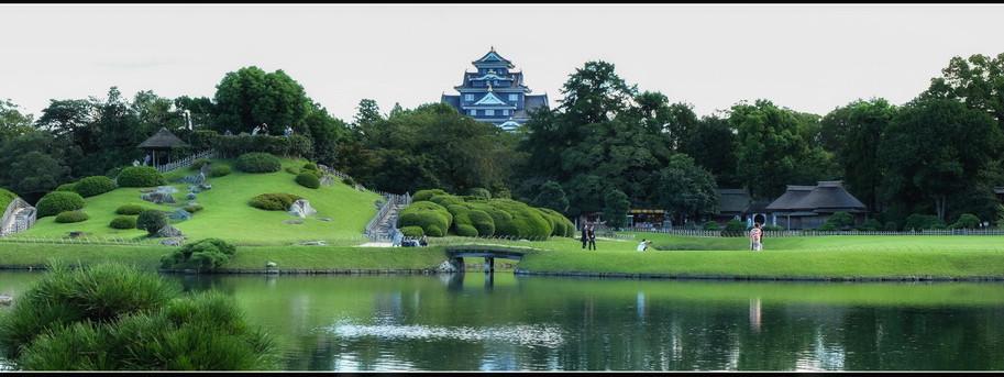 Okayama_château_noir_et_garden_redimensi
