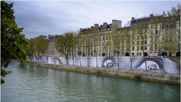 Bord de Seine mise en art par JR