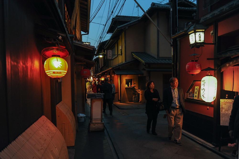 GH1_137 Kyoto Japon mai 2012 nuit temple