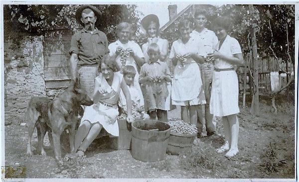 Dalmas Family 02.jpg