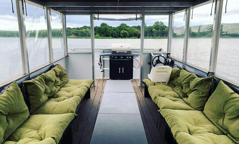 inventic_boat_inside.JPG
