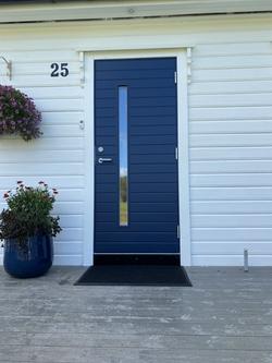 Blå inngangsdør
