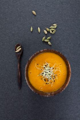 Lebensmittel-Fotografie-Foodfotograf-patrick-wittmann-karotten-orangensuppe.jpg