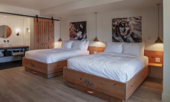 Standard Room: Double queen