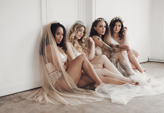 Bridesmaids with Custom Veils and Bridal Crowns from Flavelle & Co