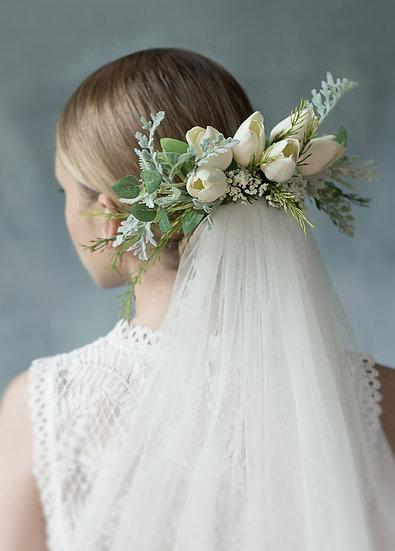 EUNA Floral Comb Lace Veil & Garter