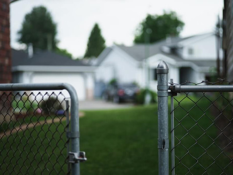 Why Choose EZ Fence For Your Chain Link Fence Rental Needs?