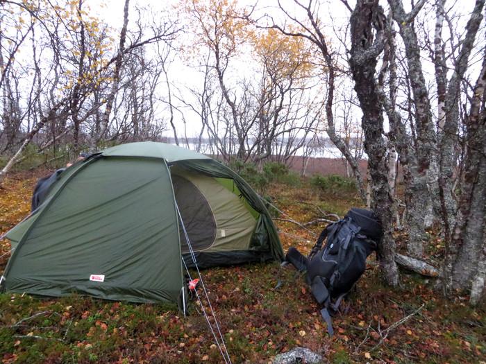 Rakkauden tekoja teltassa
