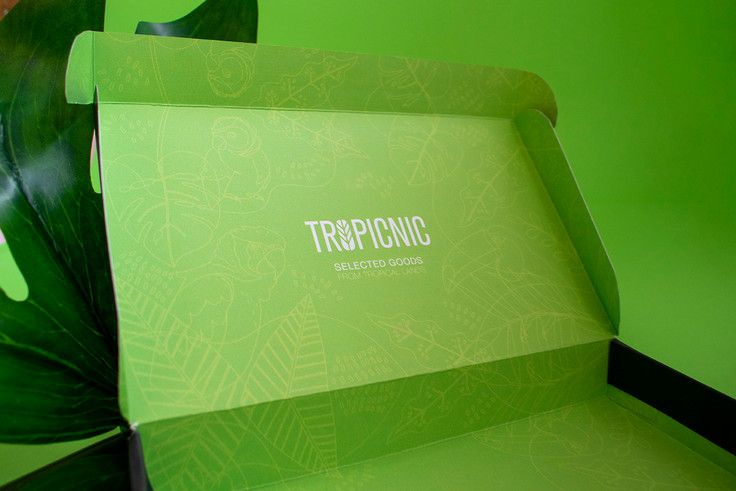Studio-zak-packaging-design-tropicnic00.
