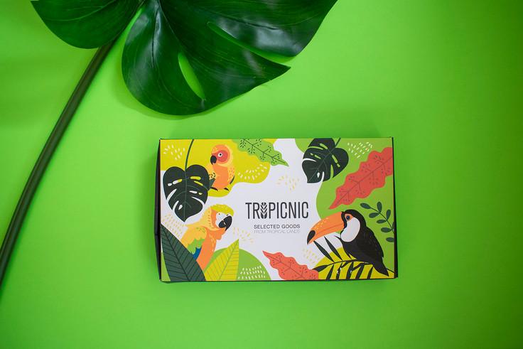 Studio-zak-packaging-design-tropicnic0.j