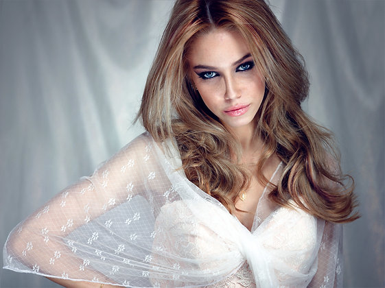 Bridal shawl, dainty lace