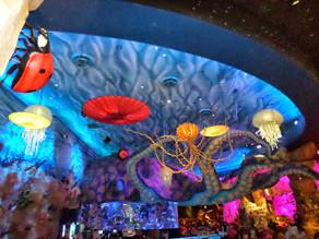 Conheça o Restaurante T-REX - Disney Springs