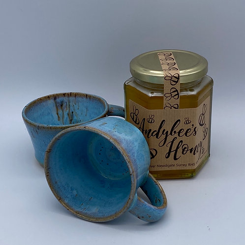Pair of blue coffee mugs and honey gift set