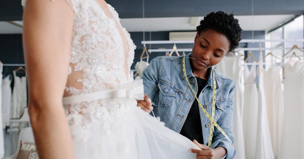 The Essential Wedding Dress Fitting Checklist