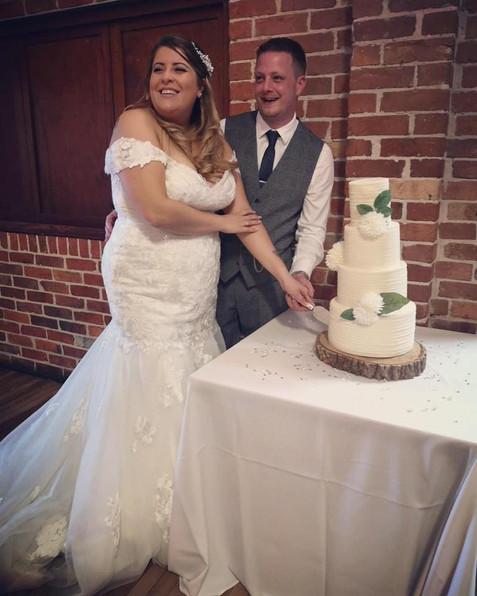 real curvy bride