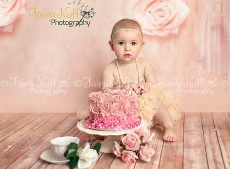 Baby + Cake = A Beautiful Way to Celebrate A Birthday Photography Session
