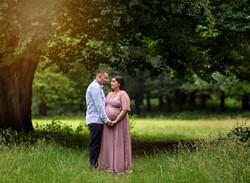 Couple outdoor pregnancy photography