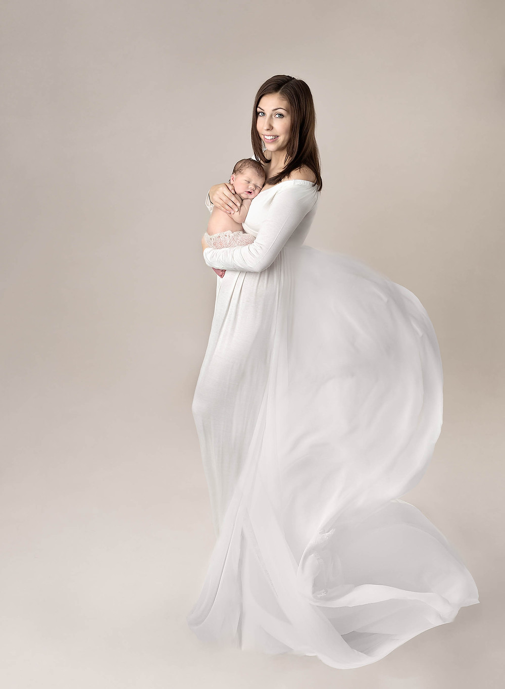 Mother and newborn baby photography by Fairy Nuff Photography, Nottingham