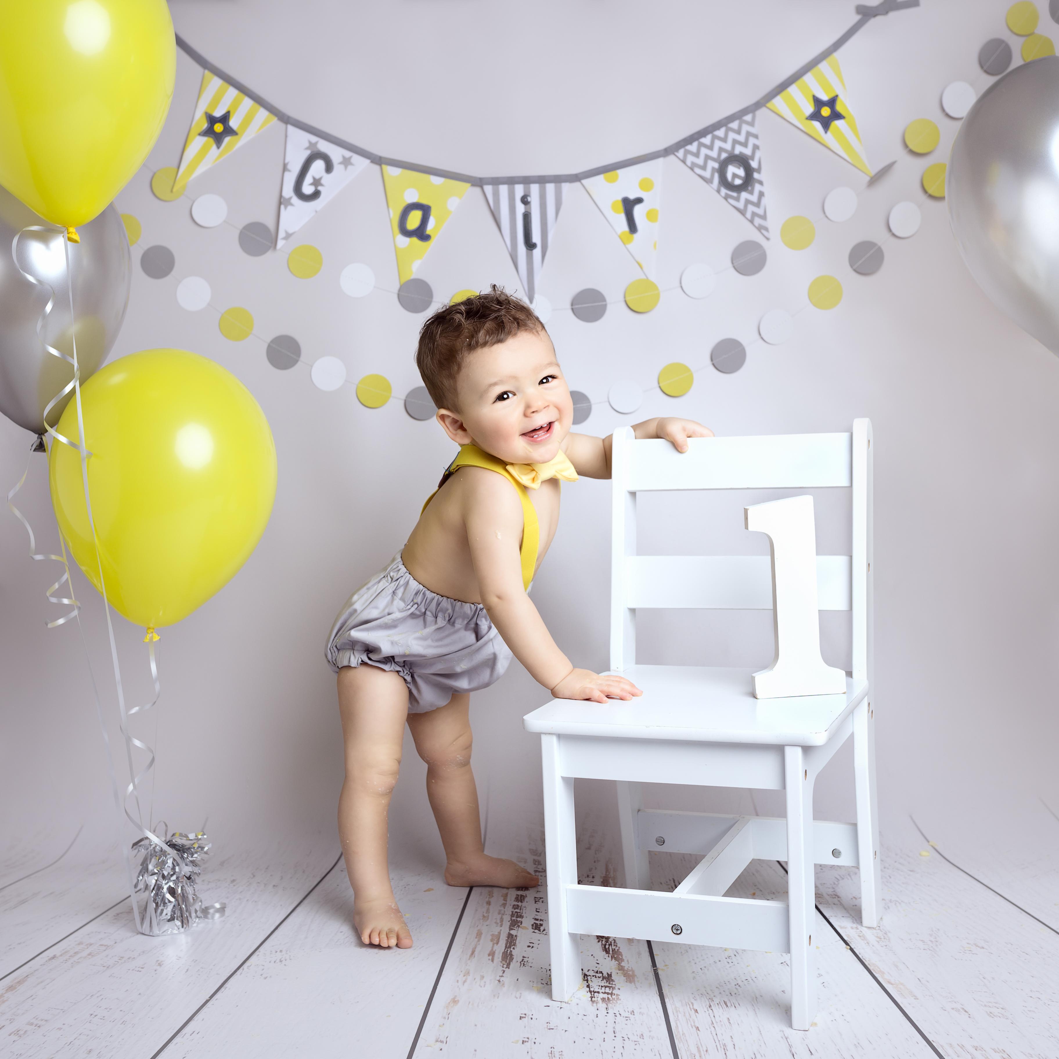 boys 1st birthday cake smash photoshoot