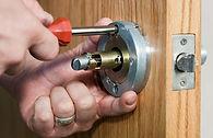 zárszerelés, hevederzár felszerelés, zárjavítás