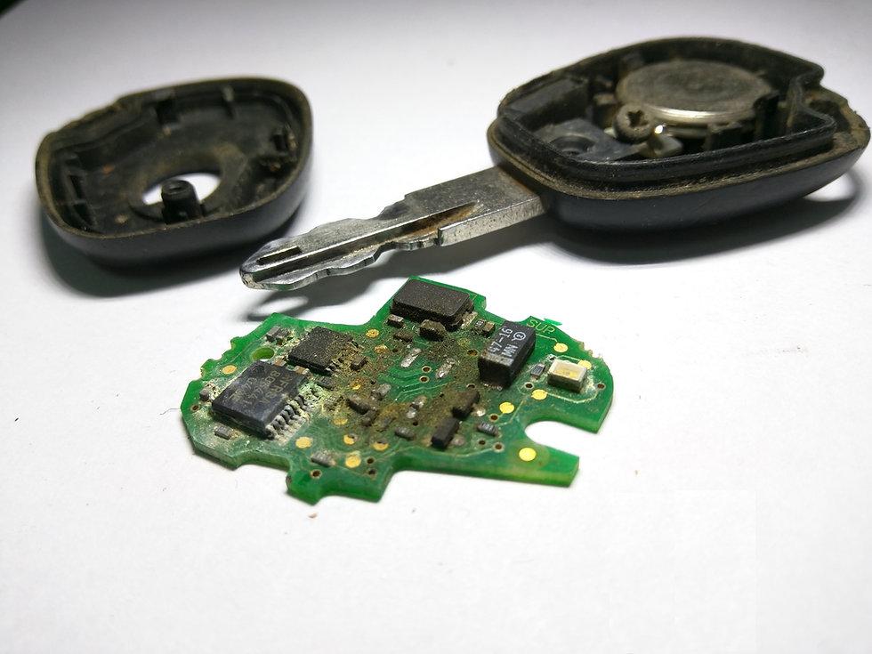 Renault kulcs javítás, Laguna, Scenic kulcs, távirányító javítás