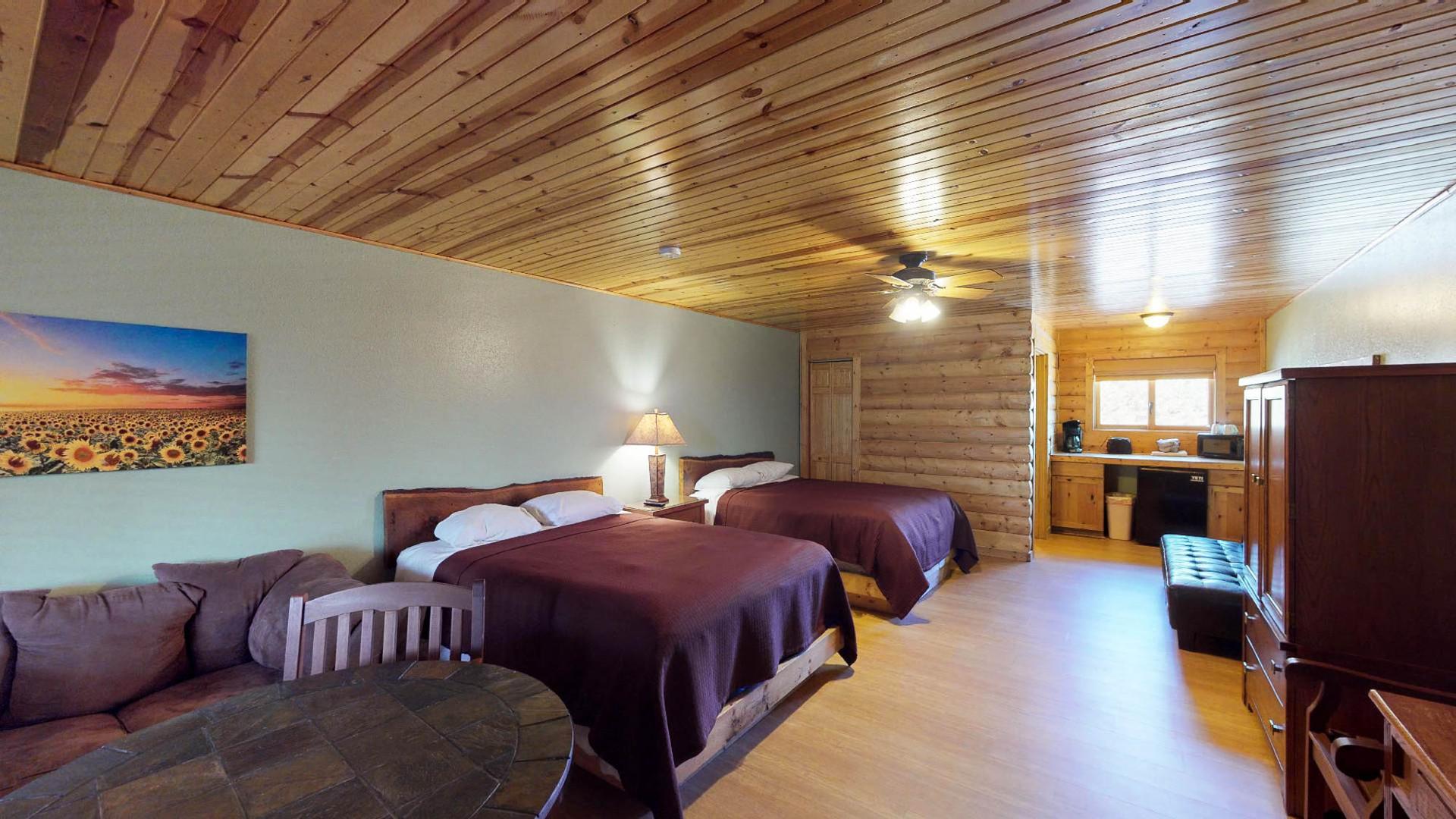 Lodge #205-3.jpg
