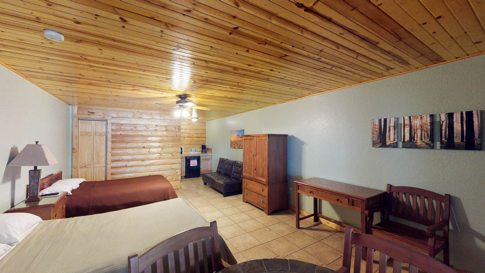 Lodge #105-2.jpg