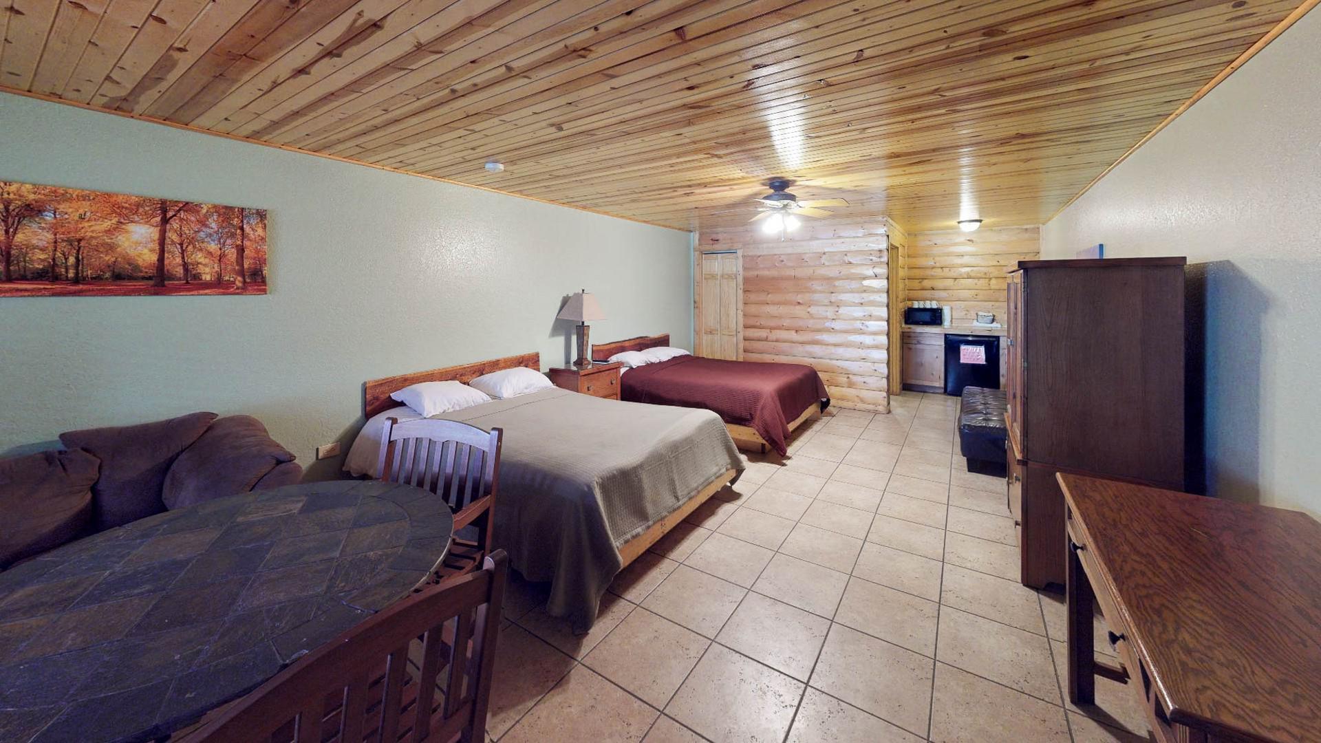 Lodge #105-3.jpg